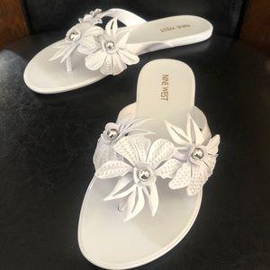 Nine west womens floral jelly sandals sz8